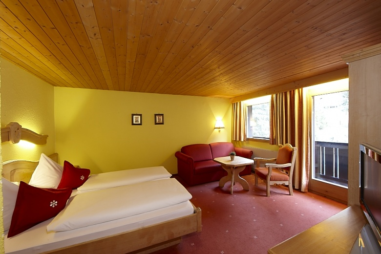Doppelzimmer Premium im Familienhotel Mateera, Montafon, Vorarlberg