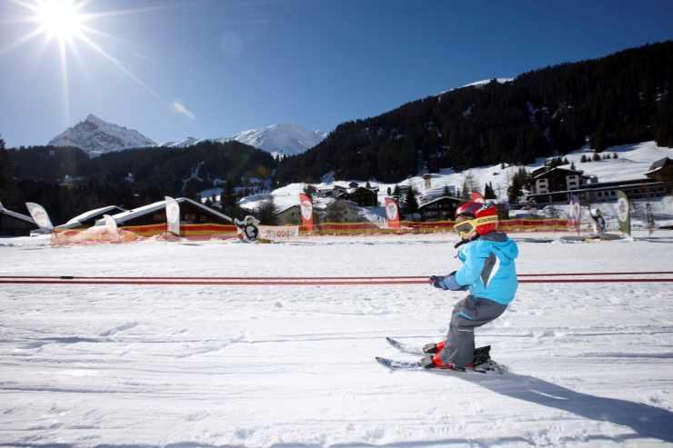 Kinderskischule, Hotel Mateera, Gargellen, Montafon, Vorarlberg, Österreich