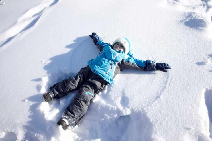 Engel im Schnee, Kinderhotel Mateera, Gargellen, Montafon, Vorarlberg