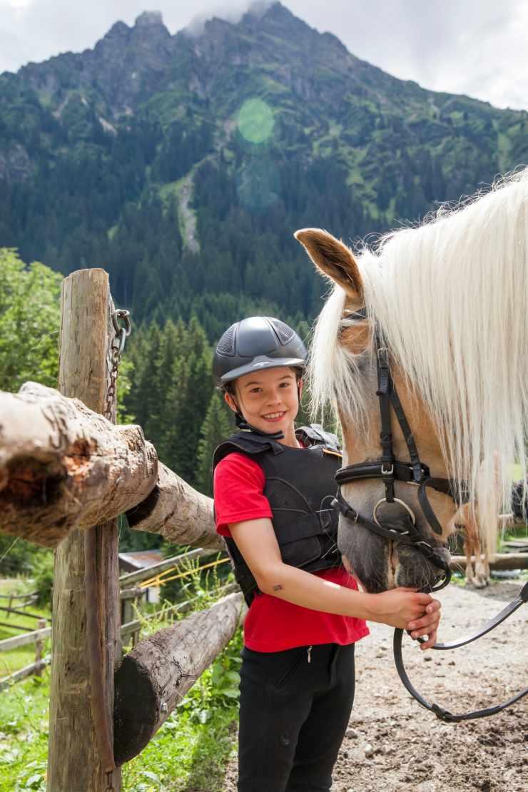 Reiten, Familienurlaub, Gargellen, Montafon, Vorarlberg, Österreich