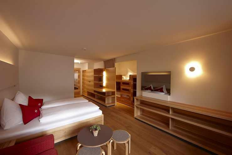 Hotelzimmer, Familienhotel Mateera, Gargellen, Montafon, Vorarlberg, Österreich