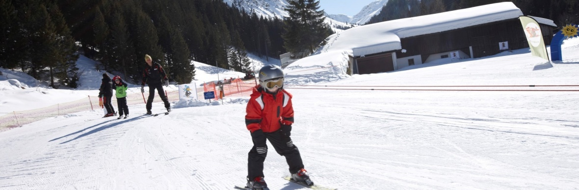 Stressfreier Skiurlaub, Familienhotel im Skigebiet