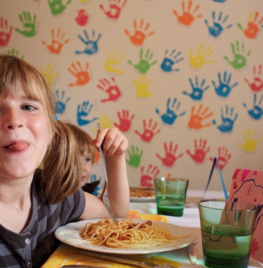 Children restaurant, supervised lunch and dinner