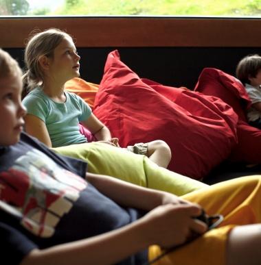 Freispielzimmer für Teenager, Eltern und Kinder