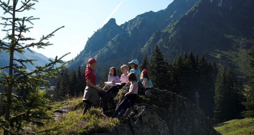 Familienferien in den Bergen, Familienurlaub in Vorarlberg, Österreich