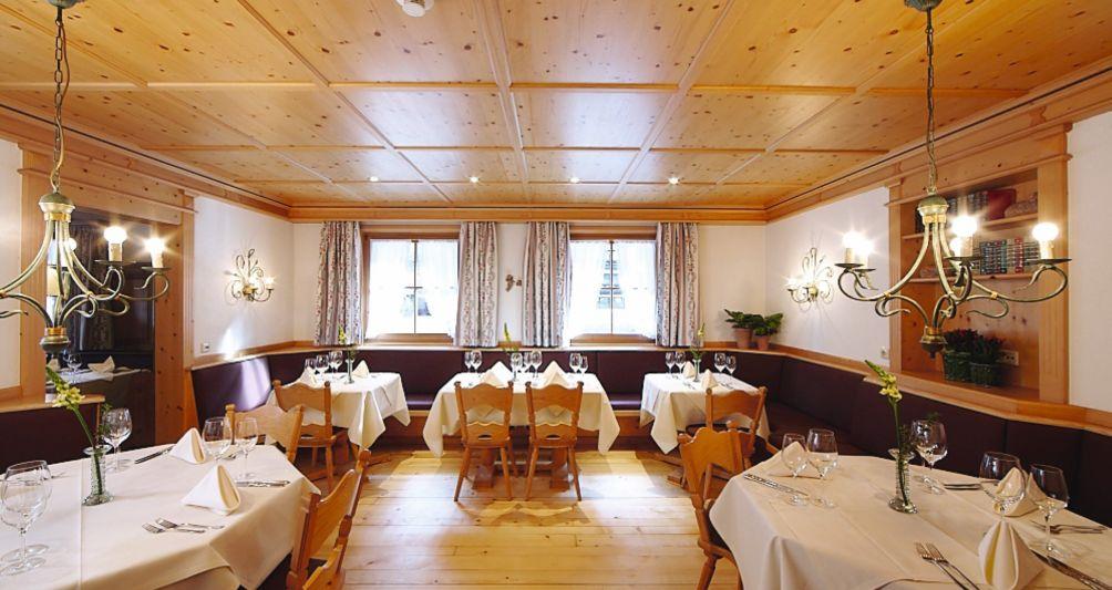 Restaurant im Familienhotel mit Kinderbetreuung im Montafon, Vorarlberg